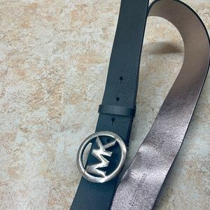 Michael Kors Black Leather emblem belt, metallic